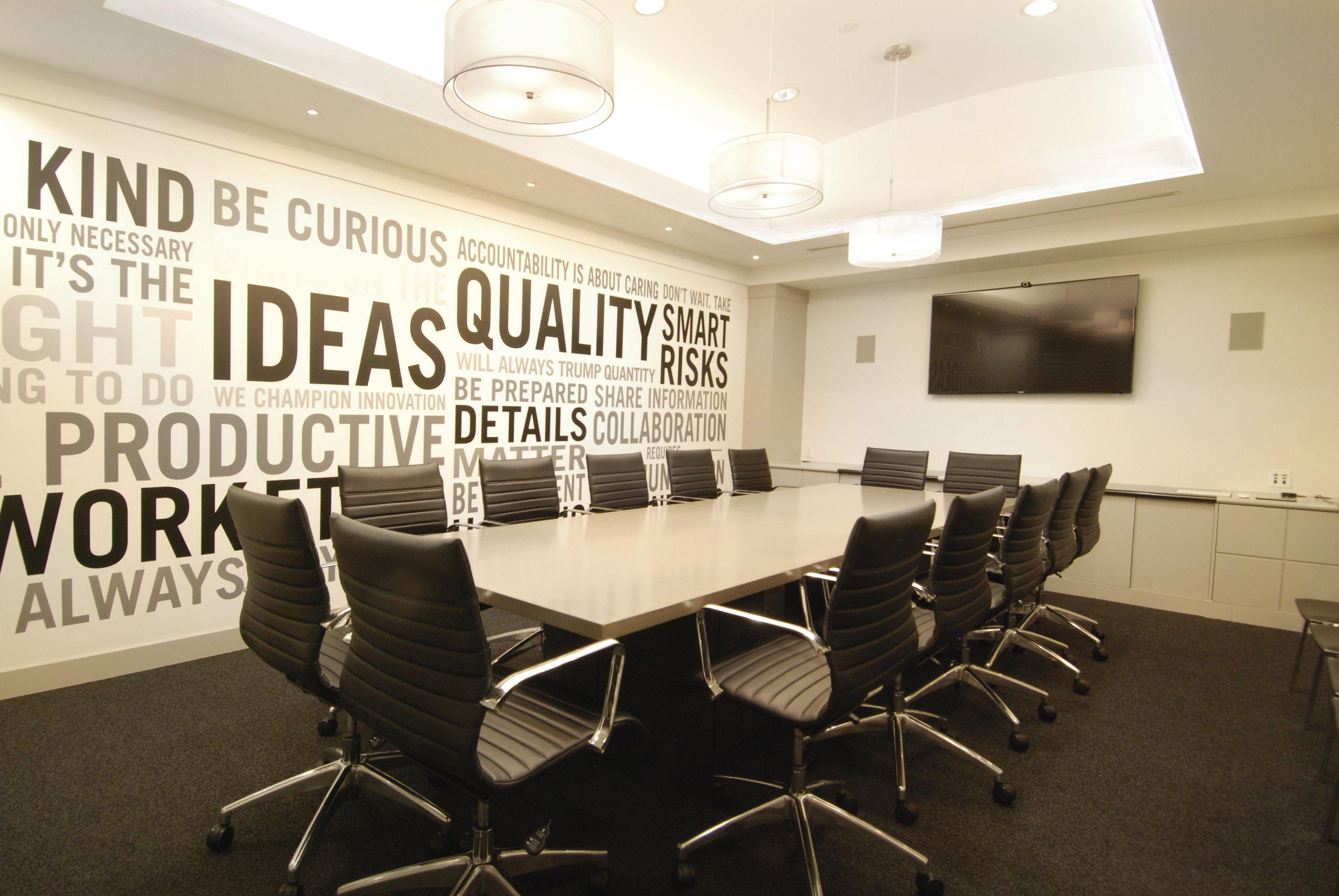 БИЗНЕС ИНКУБАТОР – КЪРДЖАЛИ предоставя под наем напълно оборудвани конферентни зали